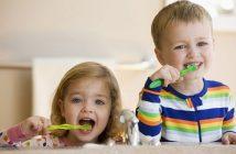 trường mầm non quạn 1 khen trẻ khi đánh răng tốt