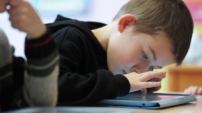 trường mẫu giáo quận 1 nói không cho trẻ nghiện ipad