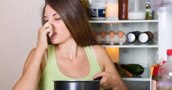 cách khử mùi hôi trong tủ lạnh lạ