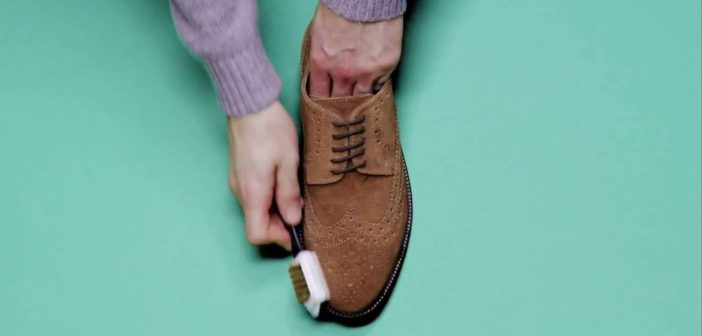 cách làm sạch giày da lộn mới