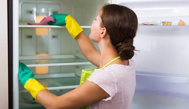 cách vệ sinh tủ lạnh hay
