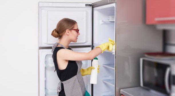 cách vệ sinh tủ lạnh mới
