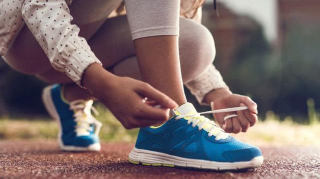 cách làm giày thể thao nhỏ lại mới nhất