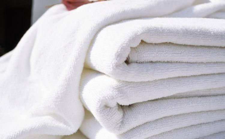 cách làm sạch khăn lông bò mới