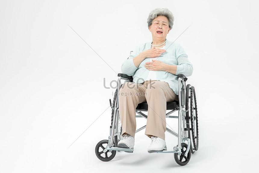 Cách chăm sóc người già bị tai biến và di chứng để lại