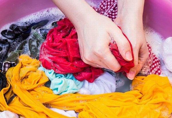 cách ngầm quần áo không bị ra màu