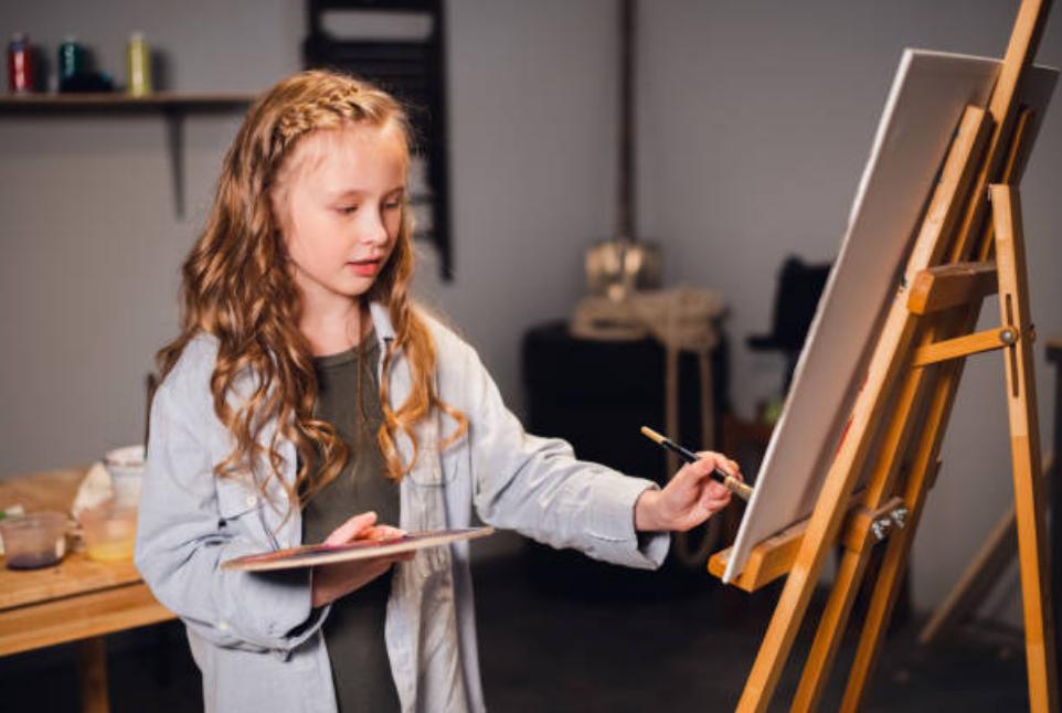 cho trẻ học vẽ