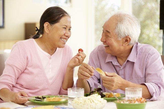 Chế độ dinh dưỡng cho người già tăng cường sức khỏe