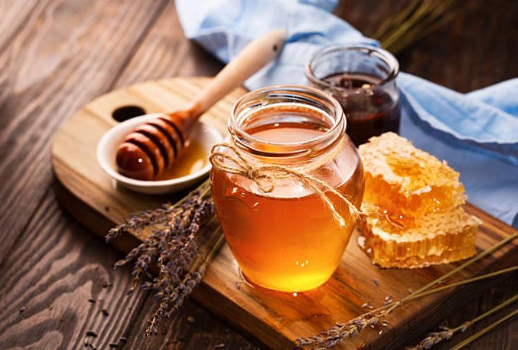 trị bệnh viêm họng bằng mật ong rất hiệu quả