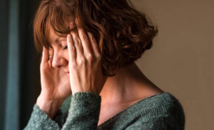 trị nhức đầu tại nhà không cần đến bệnh viện